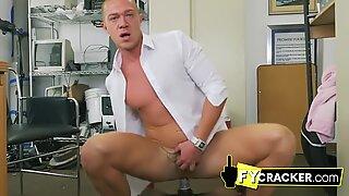 Fara prezervativ is the way homosexual baieti at the birou like it
