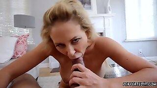 Die britische Milf-Webcam Cherie Deville wurde von Meine stepduddys Sohn imprägniert