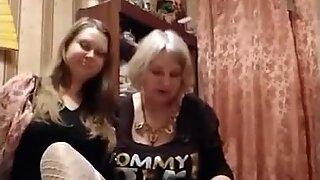 Ægte mor og datter prostitueret team fra Rusland