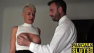 BDSM- und Bondage-Training für eine sexgesie Milf-Schlampe in Hitze