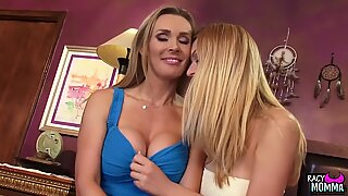 Bigtitted cougar milf pussylicked by stepteen