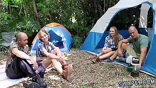 Sex auf überfüllten Strängen erste mal Hinterwälder Tauschhandel