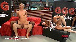 Saksalainen Goo Tyt - Blondie Jessy ja seksikäs Mia Fucked kova