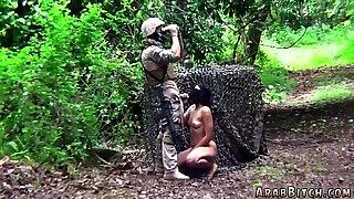 Arabi Slut Sucking Soldier Muna työn jälkeen