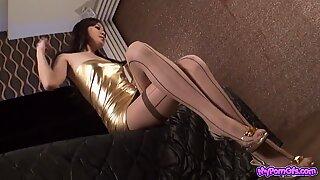 Aasialainen glamour - kaunis nuori tytöt seksikkäissä vaatteissa v1
