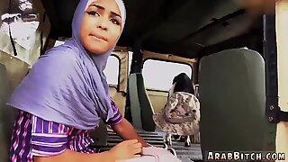 Muslim Mummo ja Ranskalainen Arabi ISOT TDEMIT PEPPU DROP Point, 23 km: n ulkopuolella