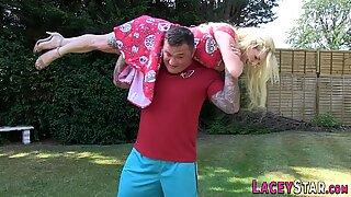 Lacey Starr i trevejen