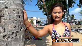 Poimi 2 thaimaasta rannalla ja anna heidän tehdä mitä haluan