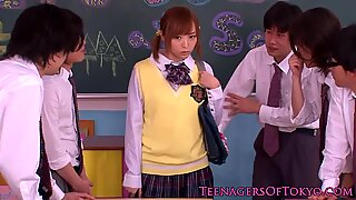 Japanisch Bukkake Teenie in der Klasse Wixxen Schwänze