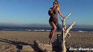 Naked Onani med Dildo til Strand
